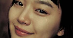 Vì sao phụ nữ khóc?