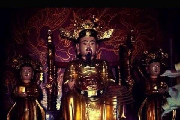 Văn khấn lễ Đức Thánh Trần - Văn khấn Việt Nam chuẩn nhất